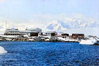 antarctica cruise Henryk Arctowski Station